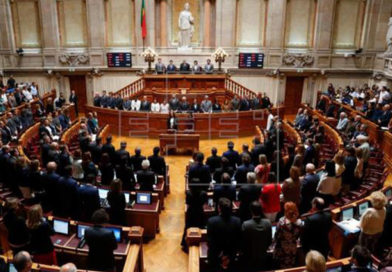 Parlamento de Portugal aprueba ley que permite el cambio de sexo sin informe médico