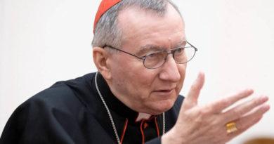 Cardenal Parolin: la familia cristiana es signo profético de esperanza en el mundo de hoy