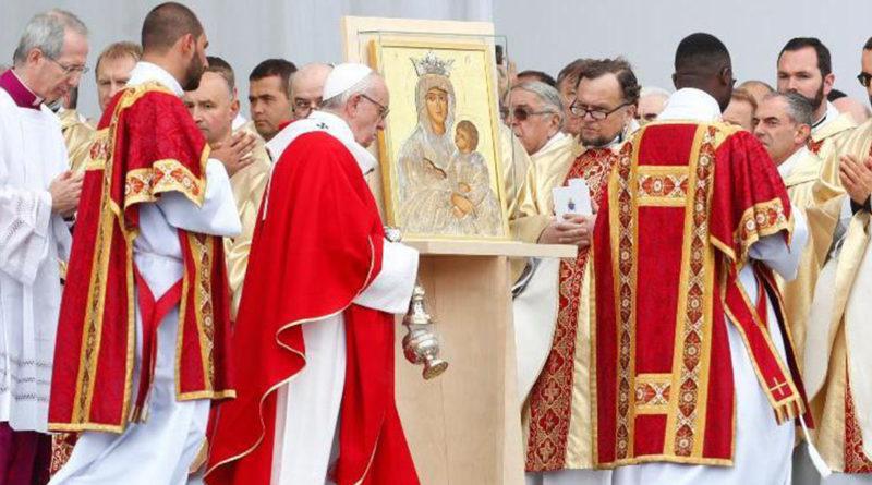 """El Papa concluye su visita a Estonia: """"son un pequeño rebaño"""