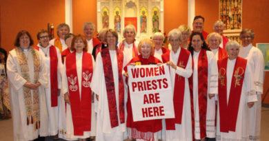 """Obispo de Magdeburgo: """"El sacerdocio femenino llegará"""""""