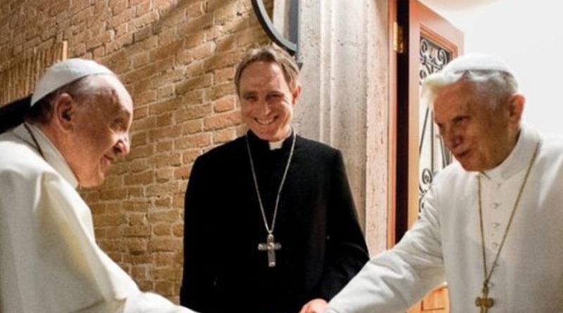 """Gänswein, Brandmüller, Burke: """"Francisco es el único Papa"""""""
