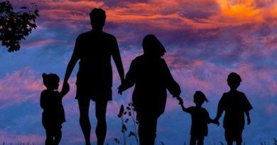 Una familia entregada a la devoción de las 3 avemarías: 1500 kilómetros para difundirla