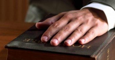 Un profesor da 8 razones para cursar y también defender la asignatura de religión