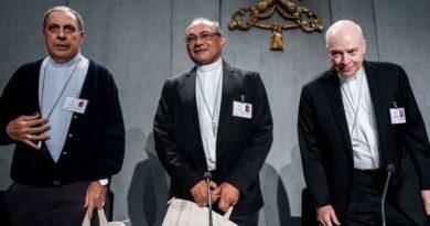 Obispos debaten por qué los protestantes crecen en la Amazonía y los católicos no